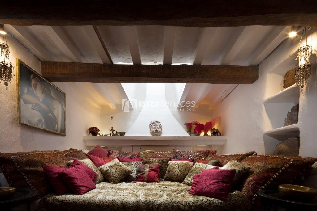 Lovely restored Finca natural beauty and elegance perspectiva 16