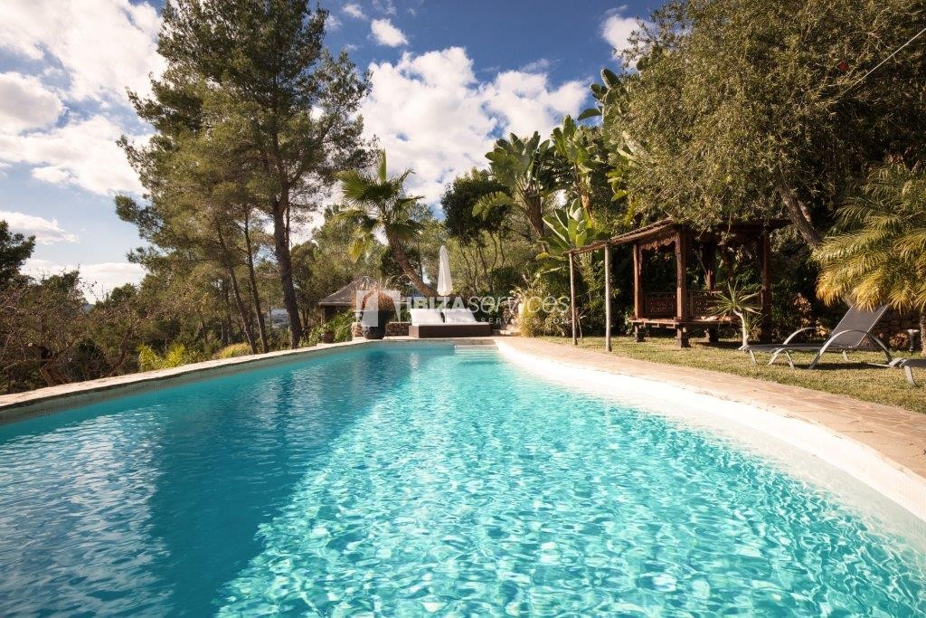 Lovely restored Finca natural beauty and elegance perspectiva 4