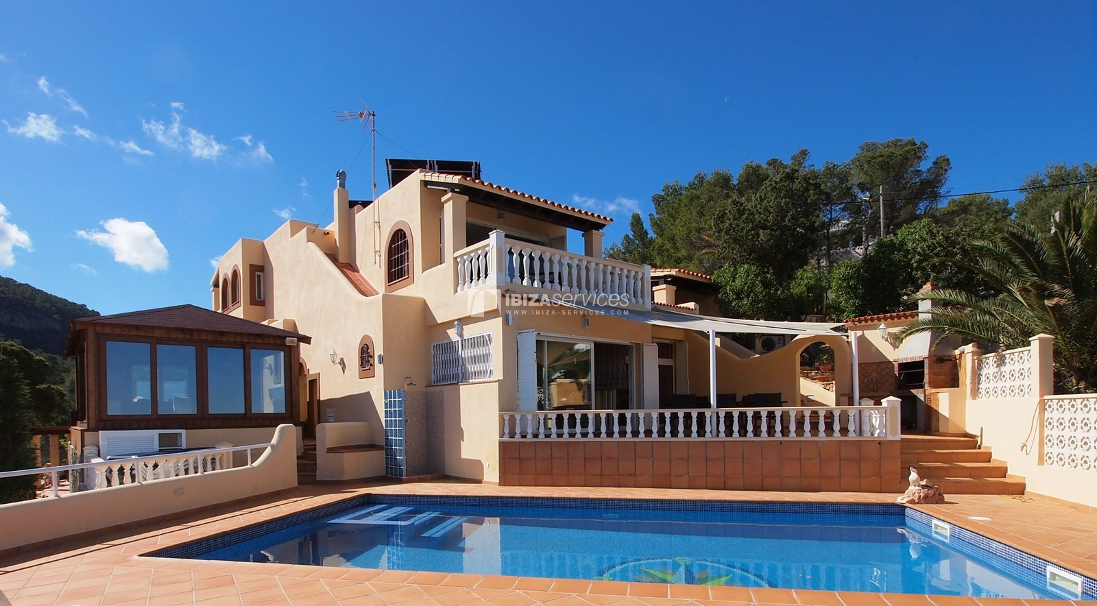 7 bedroom villa overlooking the sea Cala Moli perspectiva 3