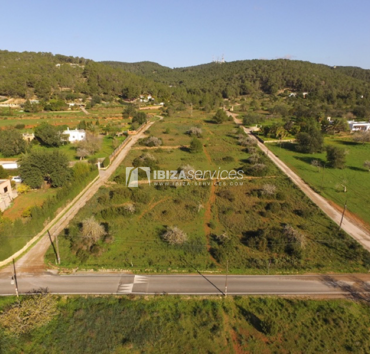 Plot with project behind Bambuddha for sale perspectiva 1