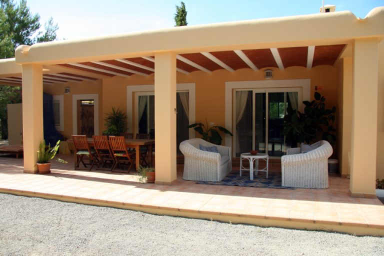 Seasonal rental house St Gertrudis 4 bedrooms