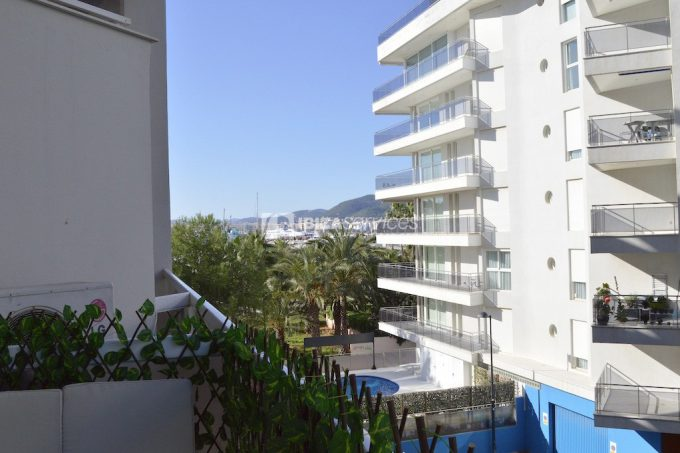 3 bedroom / 3 bathroom apartment in Marina Botafoch