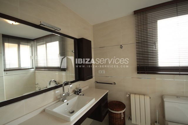 Triplex Can Misses for sale perspectiva 22