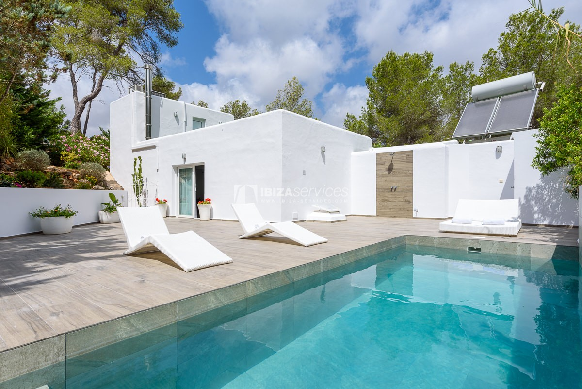 Detached cosy villa for sale in Can Furnet perspectiva 3