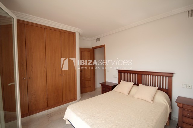 Triplex Can Misses for sale perspectiva 24