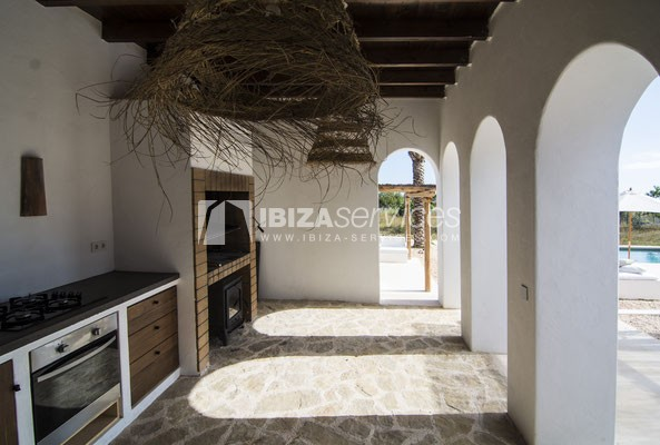 Authentic Ibiza style villa KM5 for 20 people groups perspectiva 11