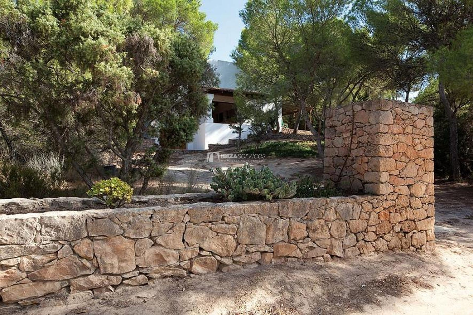 Rustic villa for sale in Formentera perspectiva 9