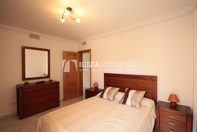 Triplex Can Misses for sale perspectiva 18