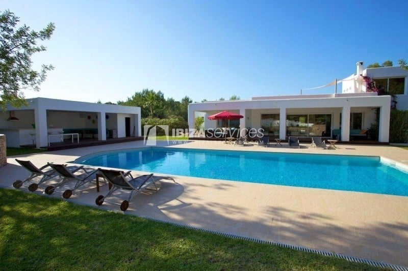 Large contemporary house between San Gertrudis and San Lorenzo