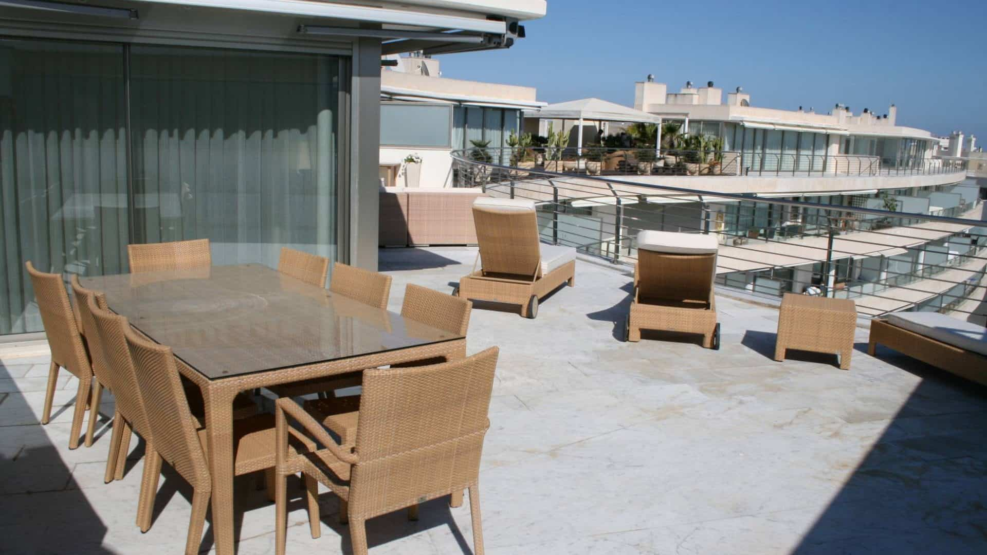 Miramar 4 bedroom penthouse for rent