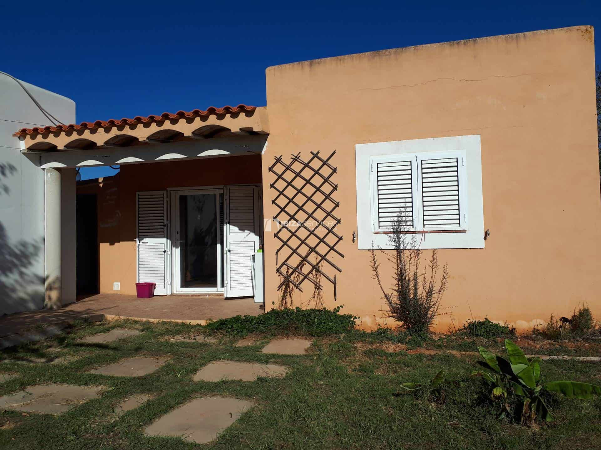 Property of 3 independent houses for sale St.Lorenzo perspectiva 4
