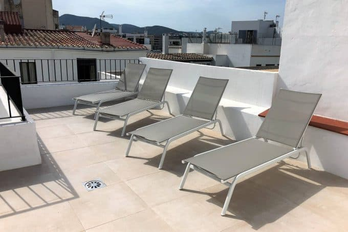 Seasonal rental 2 bedroom apartment Marina Ibiza