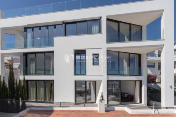 Modern brand new building for sale in Los Molinos