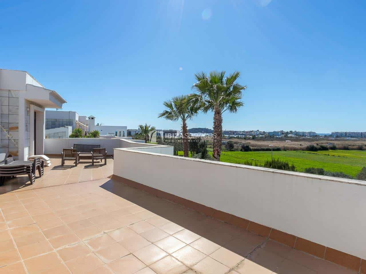 Spacious villa situated in a top location with great views