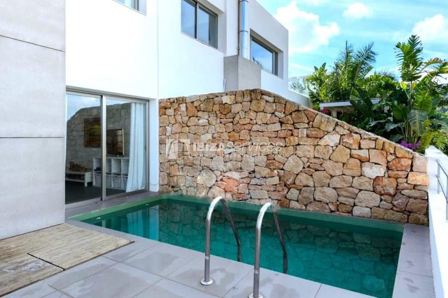 House for sale in Roca Llisa with private swimming pool