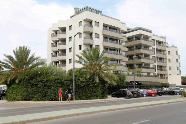3.3.A Nice 2 bed 2 bathroom apartment  Ibiza paseo maritimo area