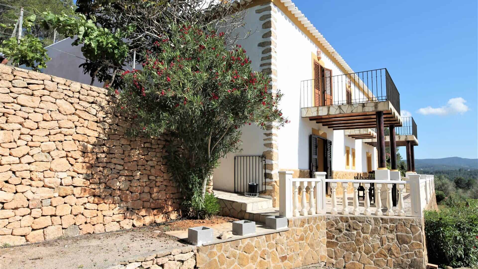 Authentic 6 bedrooms finca seasonal rental in the countryside