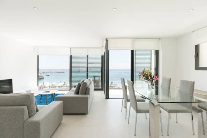 Beachfront playa d'en bossa 2 bedroom penthouse