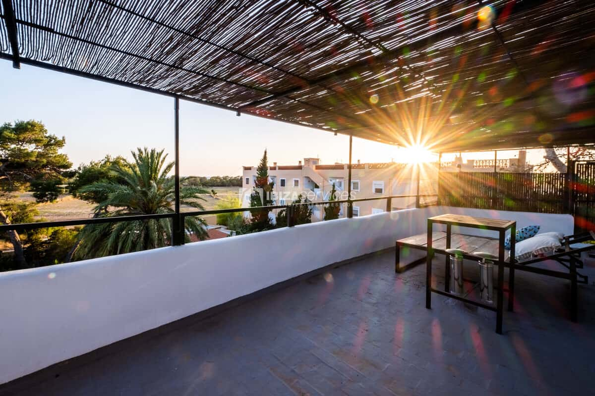 Modern style two bedrooms apartment with roof top terrace in Cala Conta.