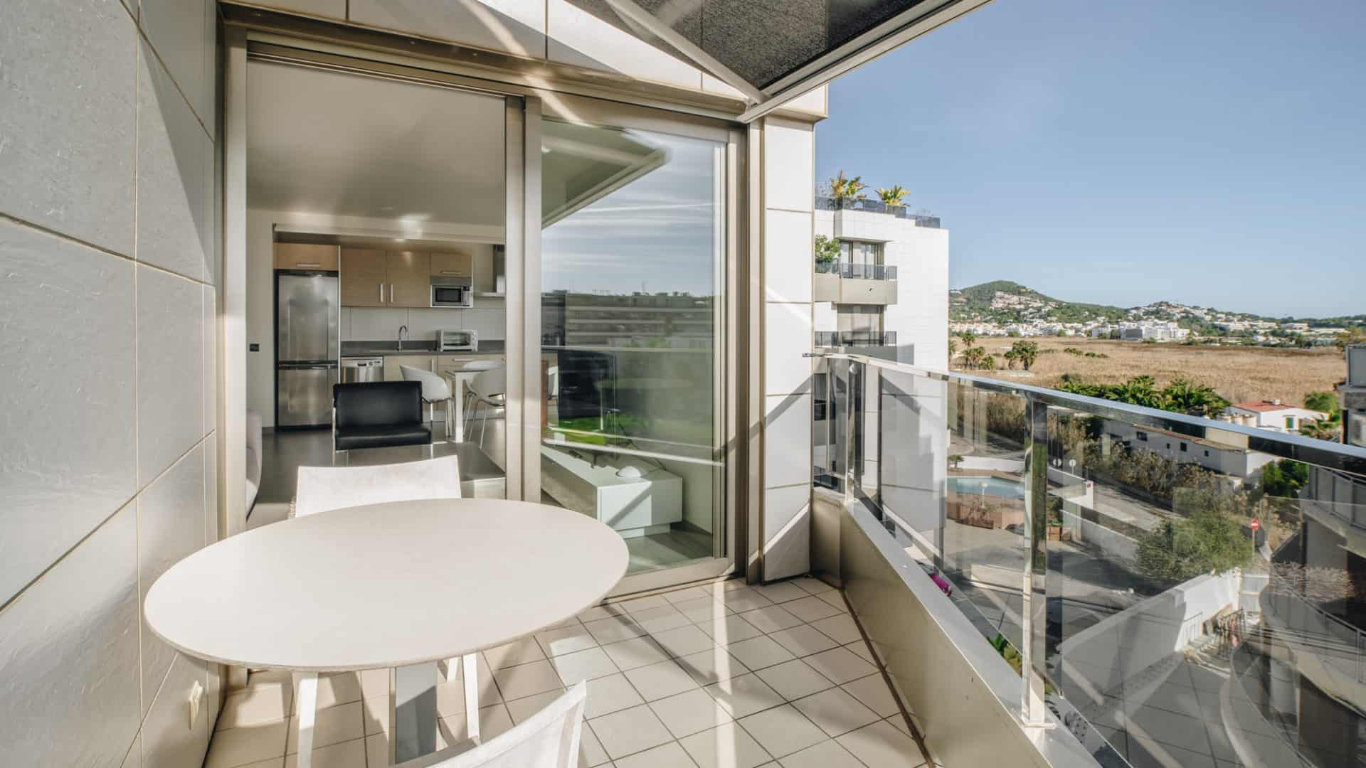 3.4.A Botafoch 2 bedroom 2 bathroom apartment for rent