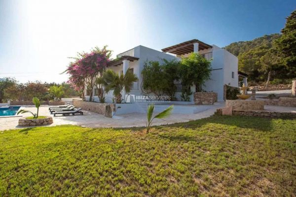 Es cubells 6 bedroom in 2 properties for sale with sea view