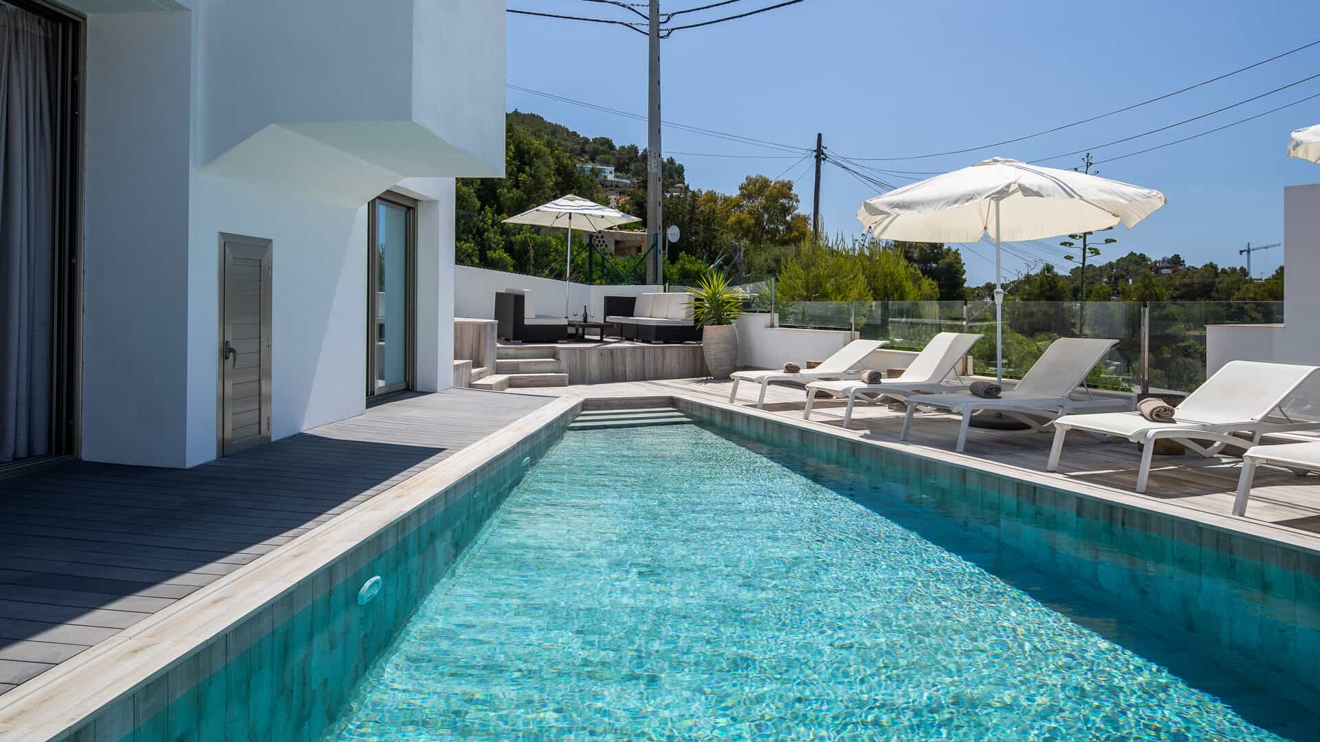 New 5 bedrooms villa with private pool and sea views