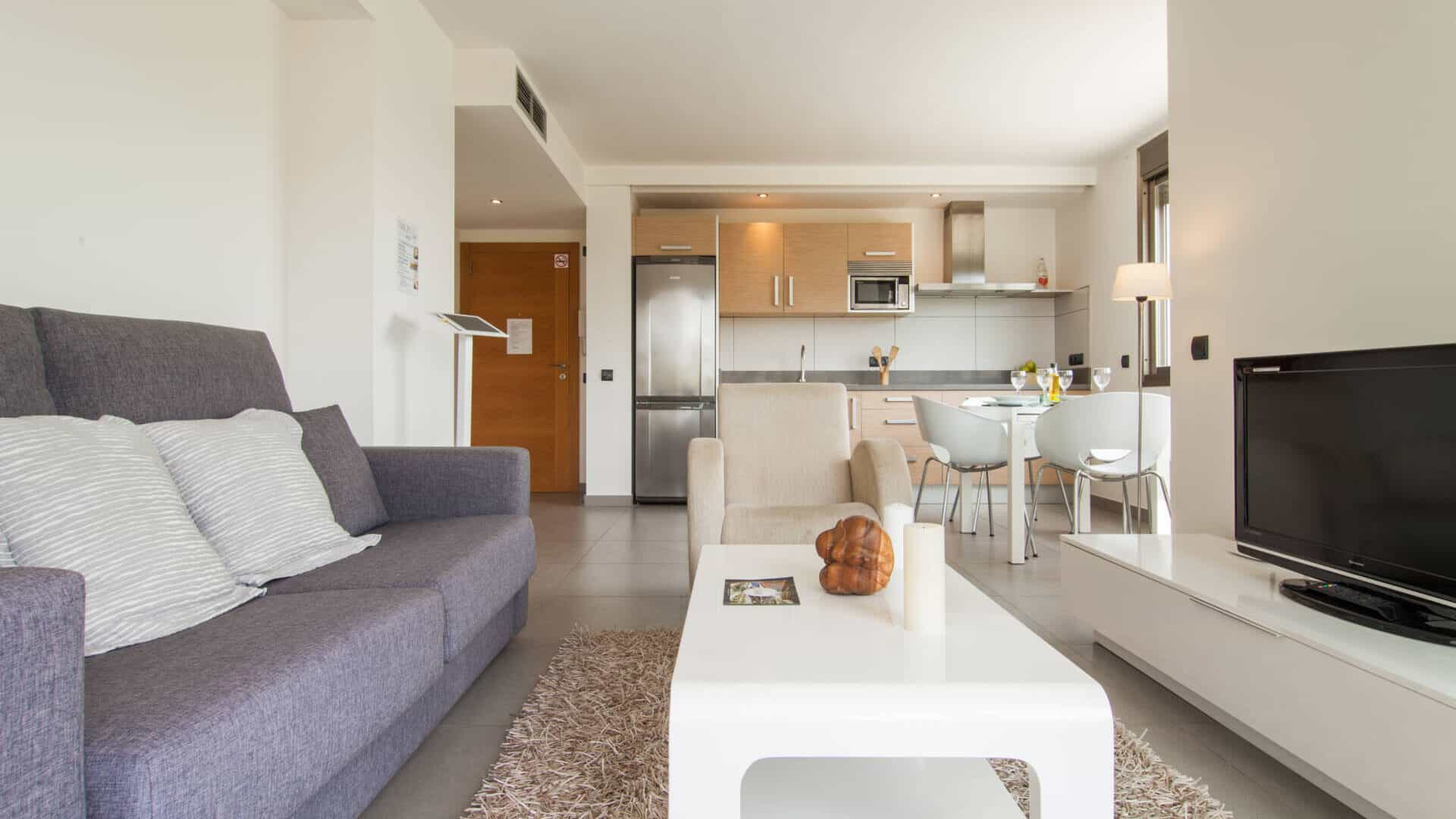 3.1.A : 2 bedrom 2 bathroom apartment with huge terrace for rent