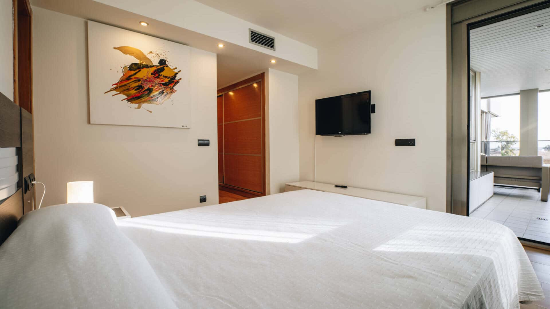 4.2.A  luxury 3 bedroom apartment Botafoch for rent