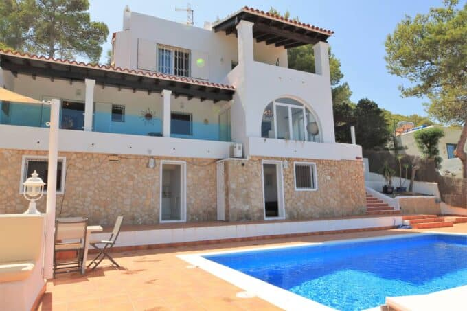 Three storey house with Sea Views near Cala Bassa