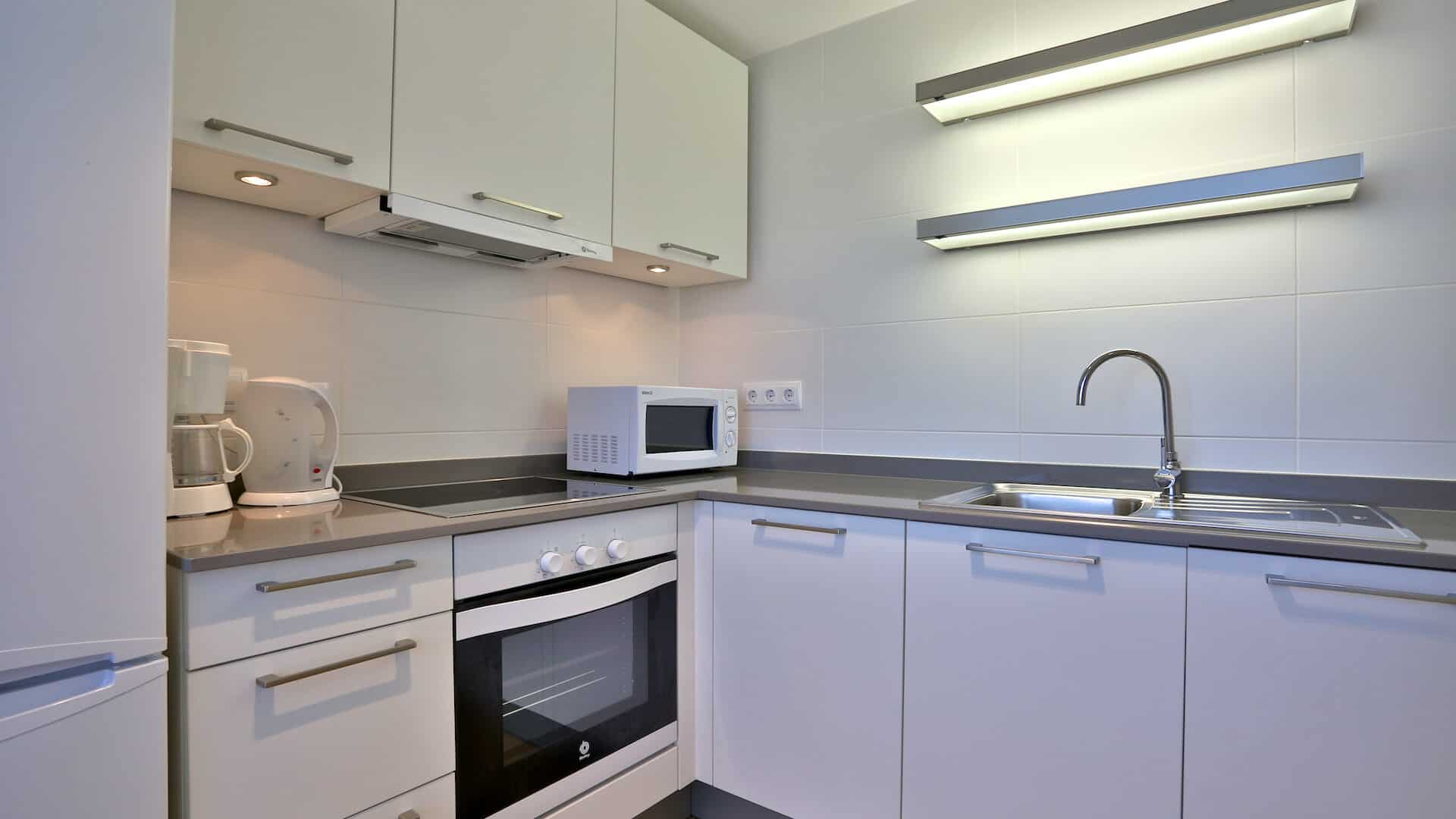 1.1.A Botafoch 2 bedroom apartment for rent