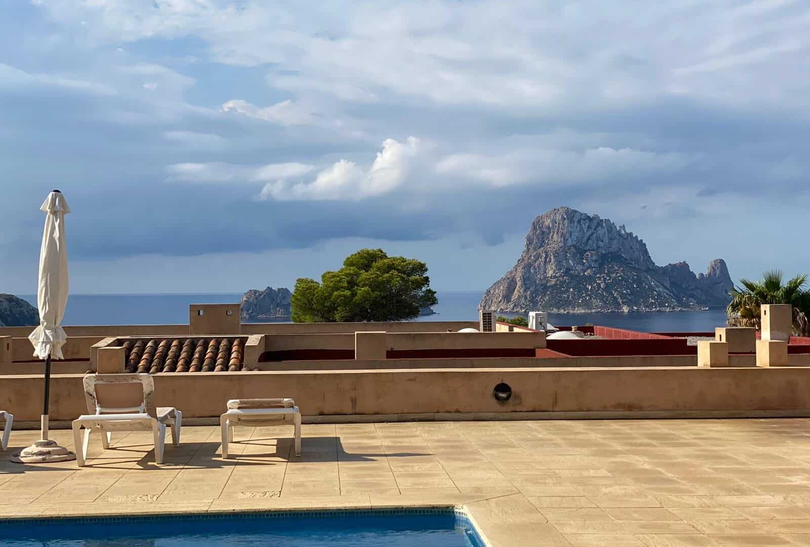 Cala Carbo 2 bedroom apartment for sale nice view