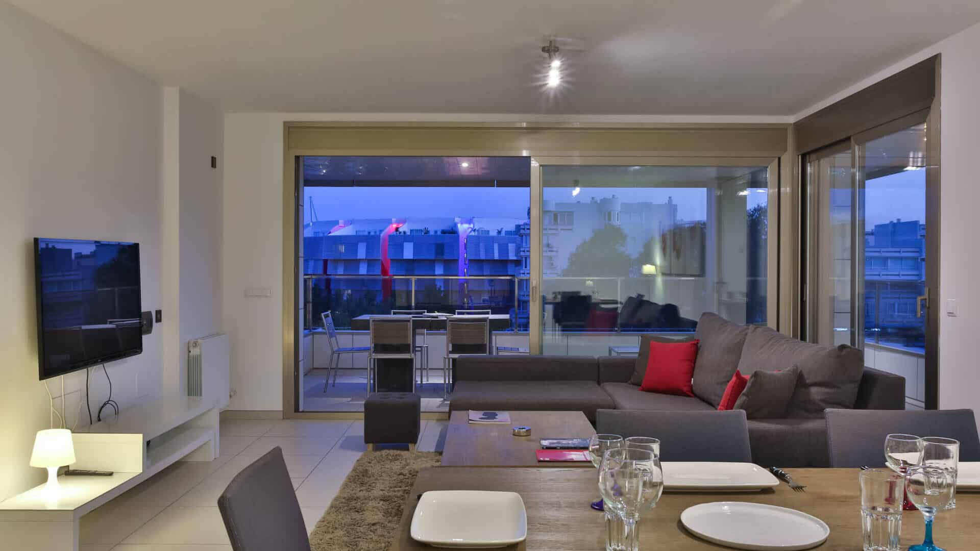 2.4.A  Modern 3 bedroom apartment with big terrace and nice views.