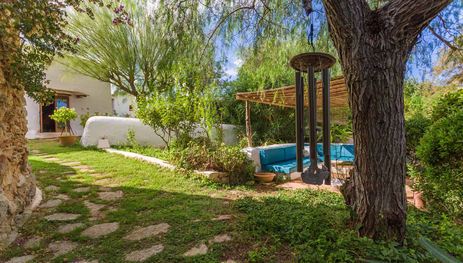 Lovely authentic finca with heated pool for winter rental.
