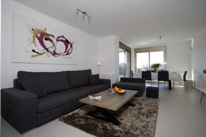 Long term rental 3 bedroom  modern apartment Botafoch Bon viure