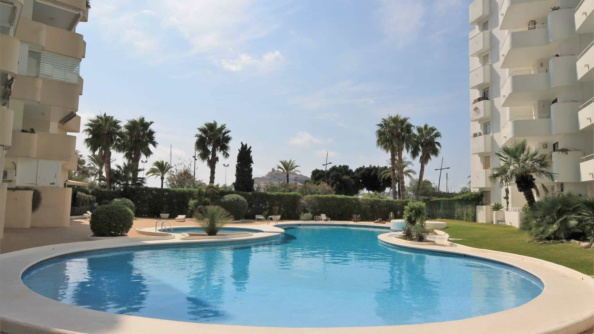 New refurbished flat for Sale in Marina Botafoch near yachting harbour