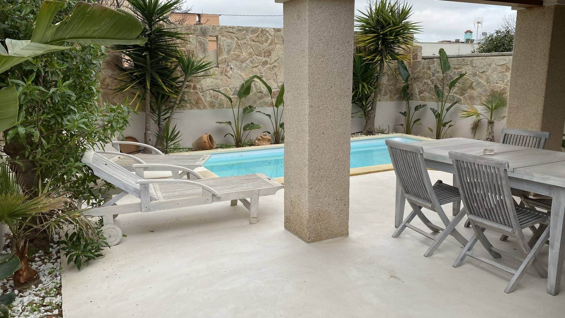 Illa Plana 4 bedroom house for rent with pool