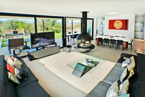 Prestige property Annual rental Modern villa 6 bedrooms