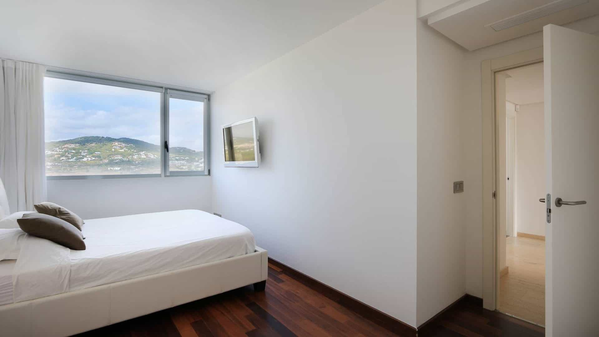 Valor real Long term rental 3 bedroom apartment.