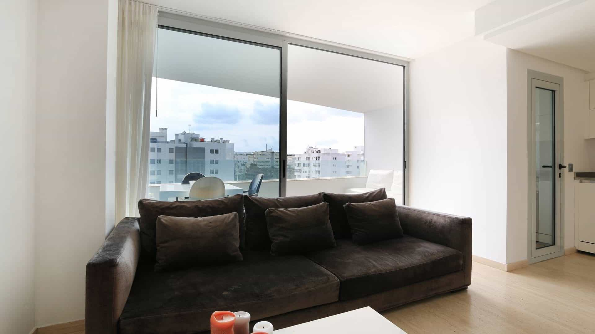 Valor Real seasonal rental 3 bedroom apartment.