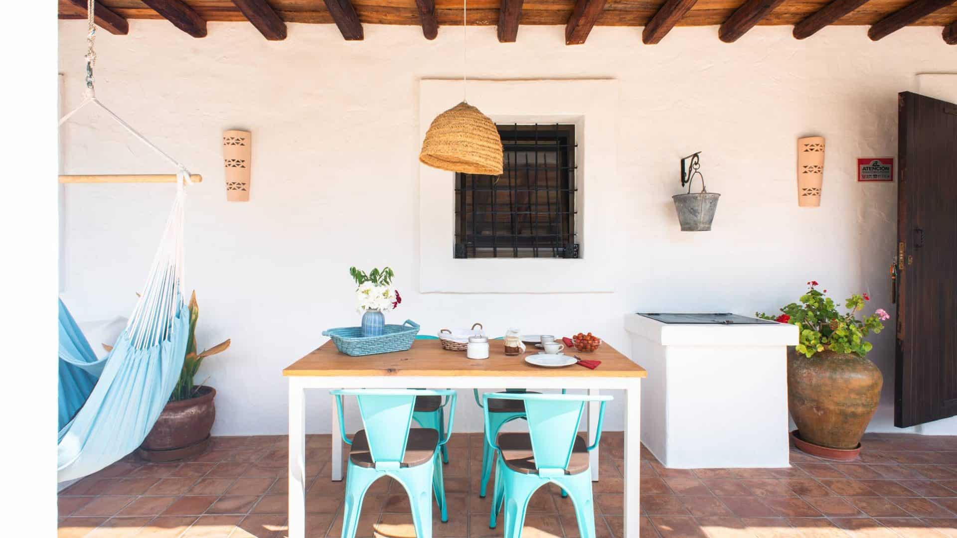 Centrally located lovely 4-person finca holiday rental
