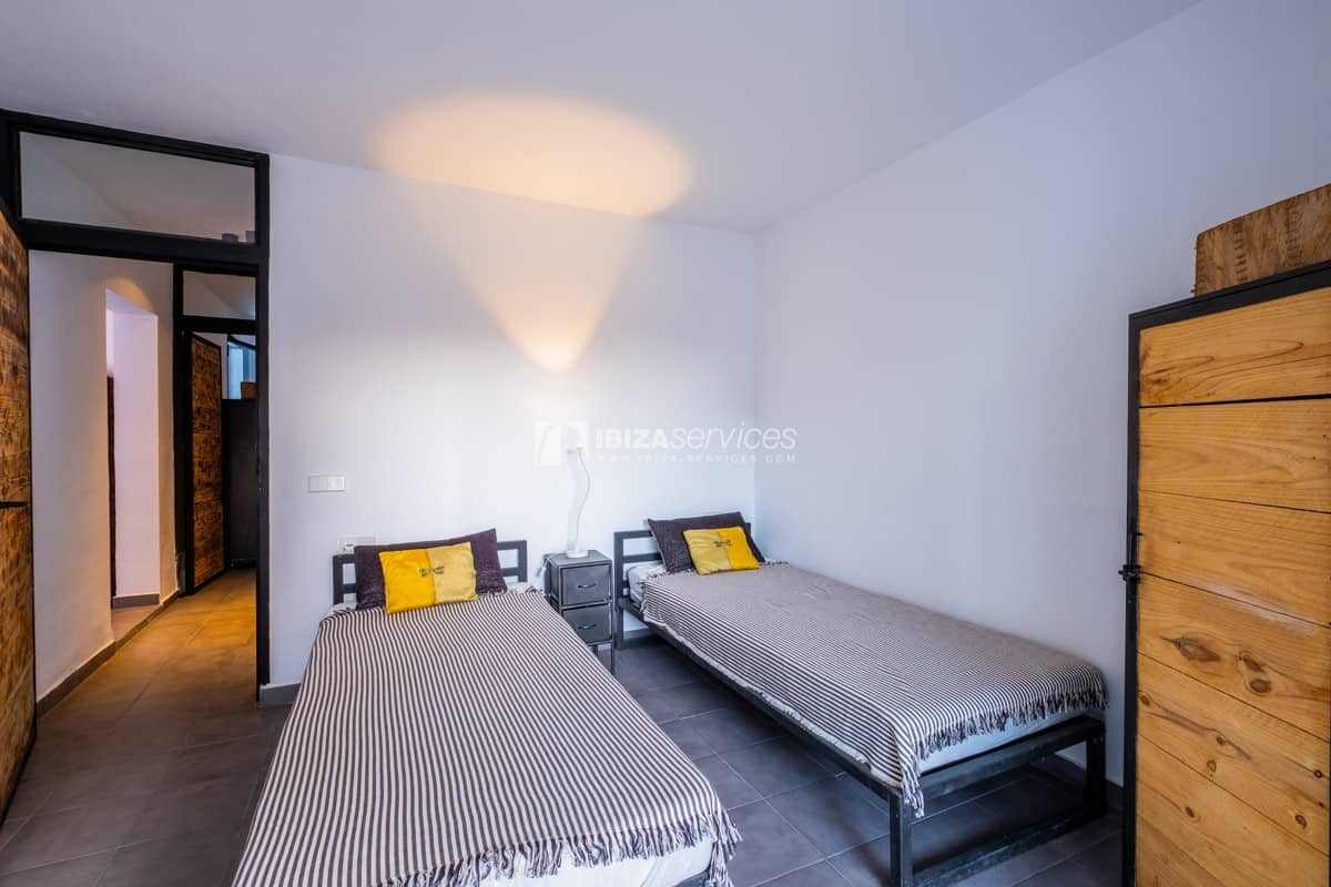 Set of two apartments on sale at walking distance to Cala Conta beaches.