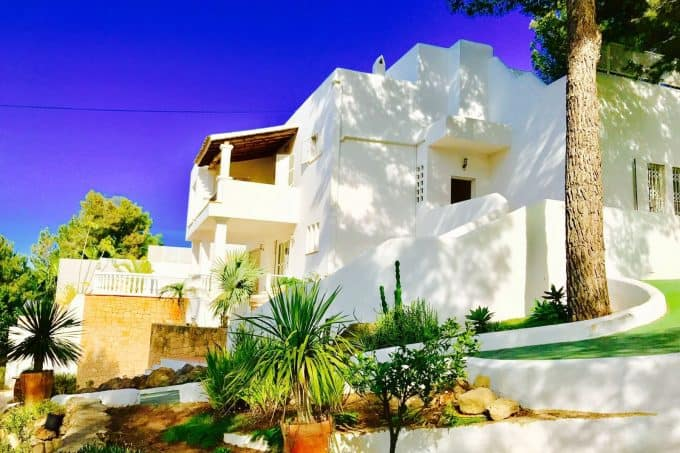 Annual rental 6 bedrooms property with pool in San Agustin Ibiza