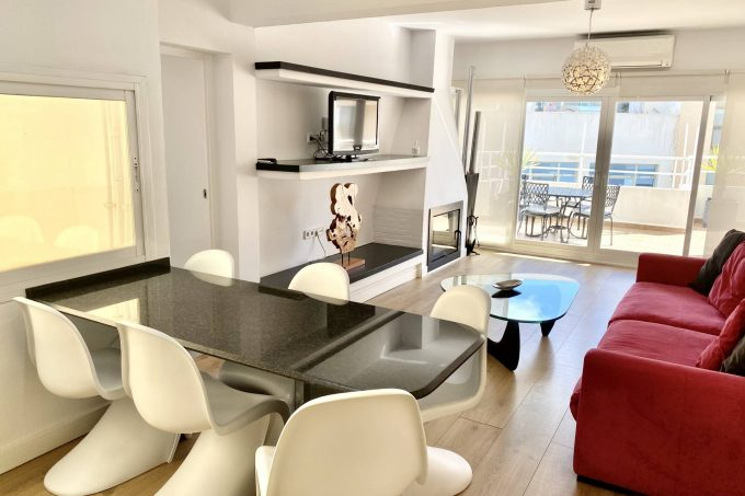 Nice apartment with fireplace large terrace annual rental Ibiza town