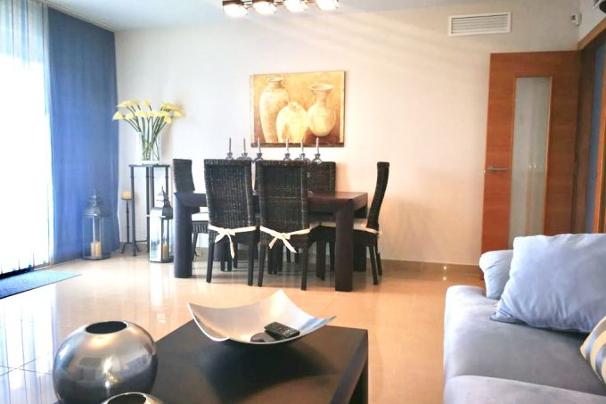 Spacious 3 bedrooms apartment with jacuzzi for yearly rental in Ibiza