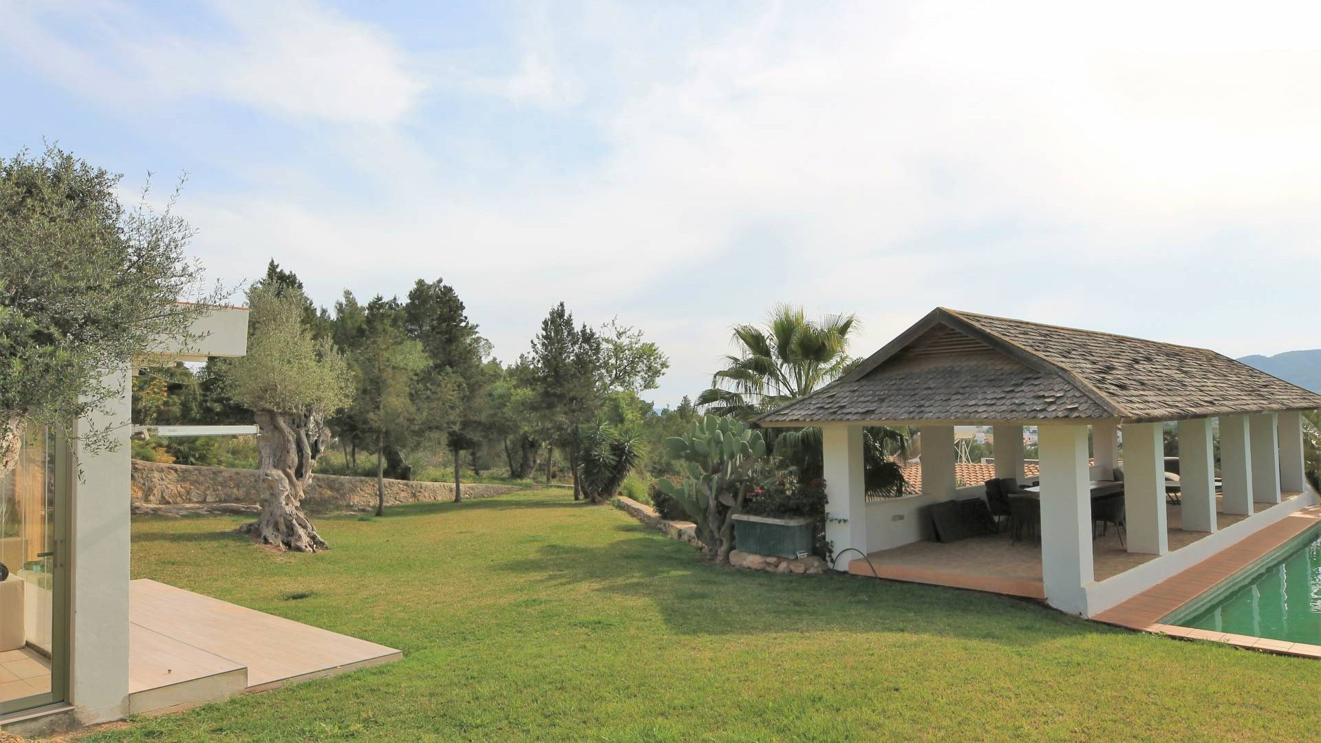 Country house in prime location and awesome views for sale