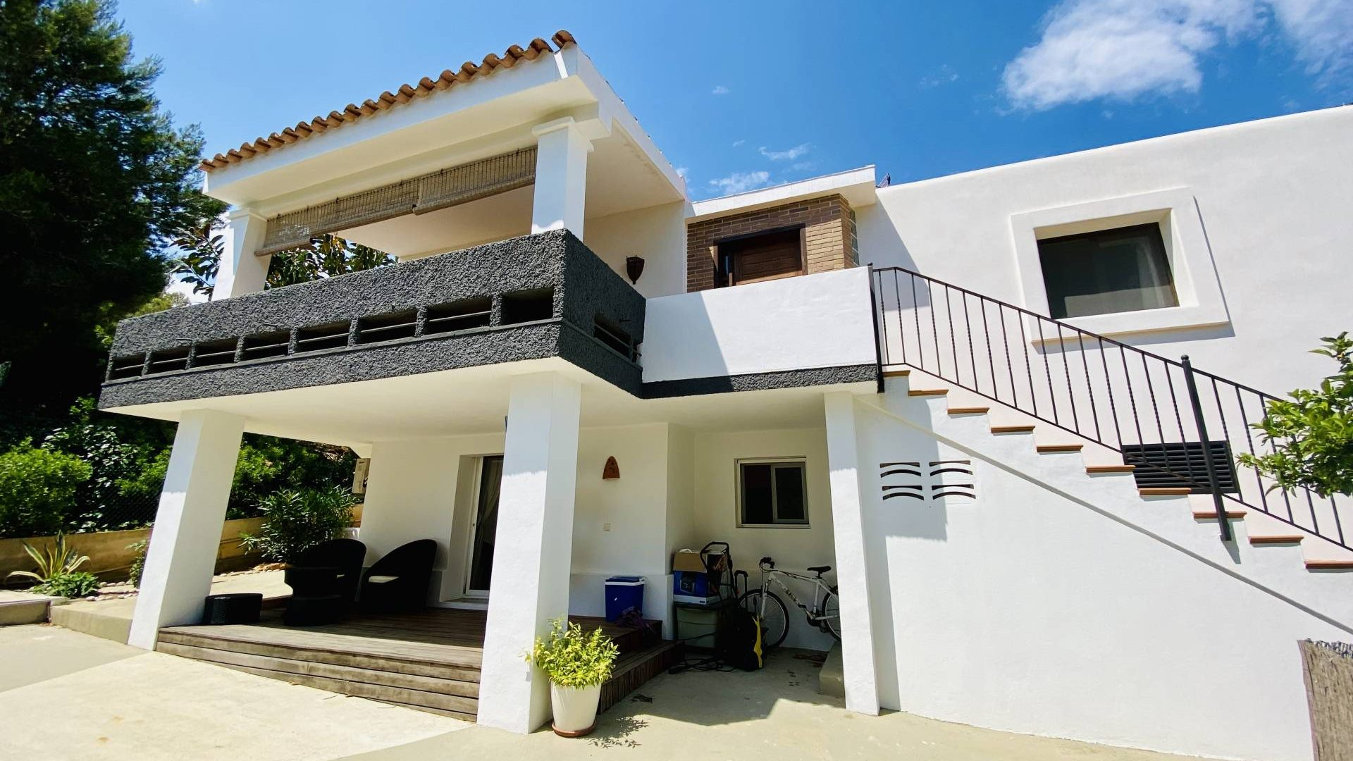 House with garden and swimming pool for sale in St Rafael