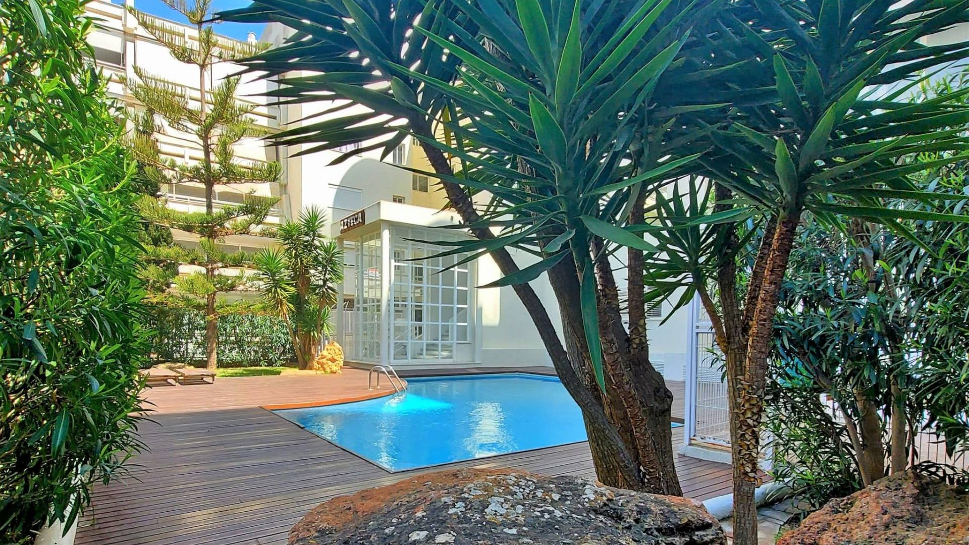 Ground floor flat in prime location with community pool for sale