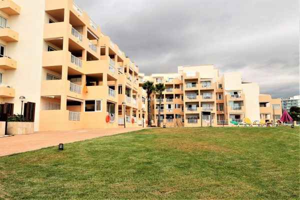 Es Canar pretty 1 bedroom apartment for sale in front of the sea