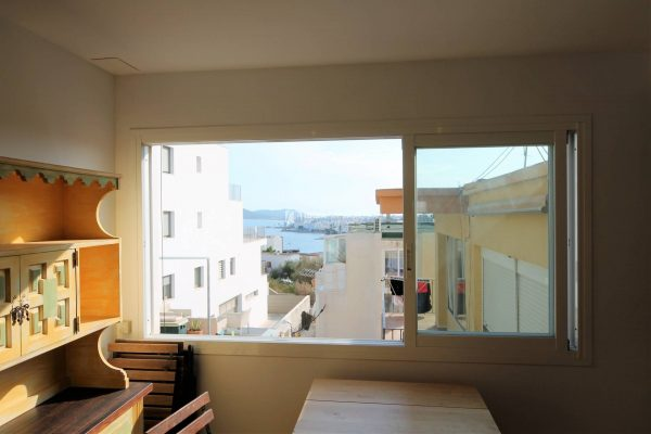 Apartment for sale in Los Molinos, quiet and familiar neighborhood.