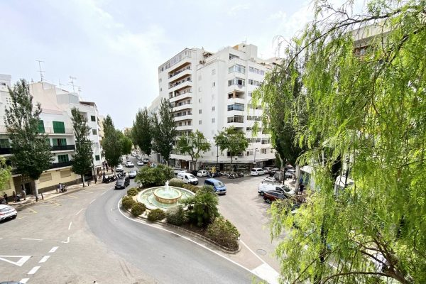 Annual rental reformed 4 bedrooms apartment in Ibiza city